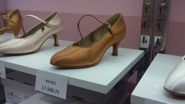Női standard cipő